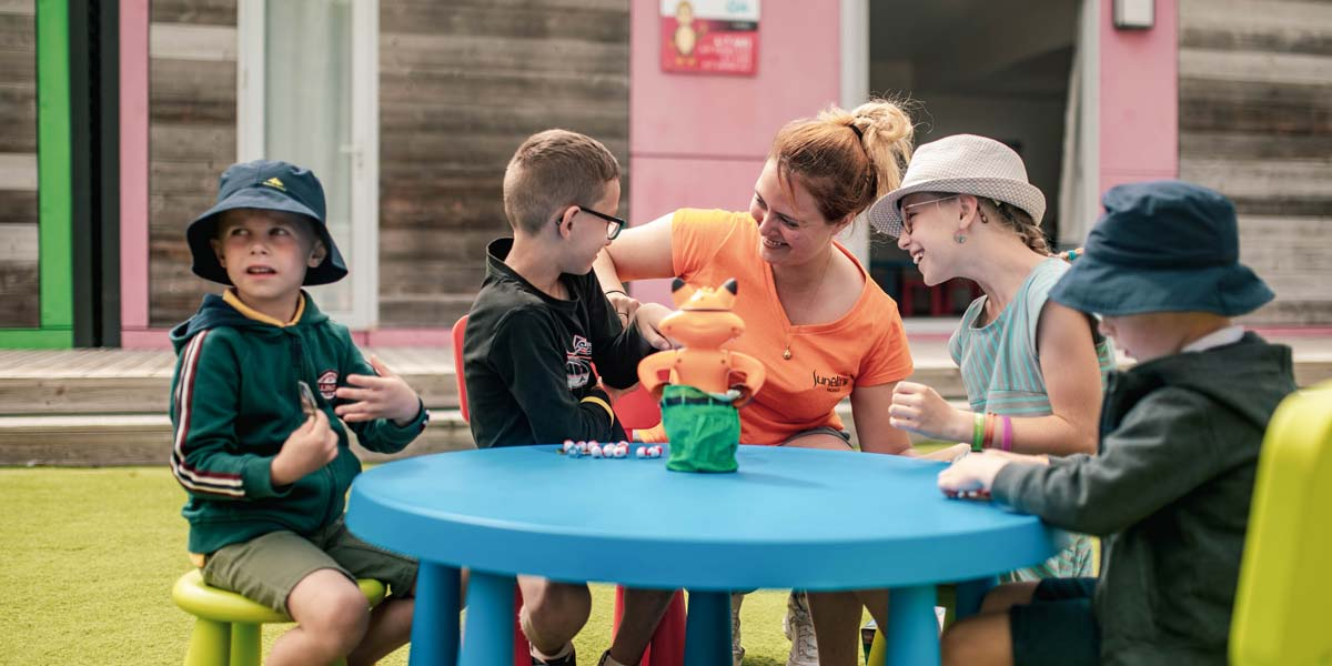 Group of children with the mascot of Le Fief campsite in Saint-Brevin in Loire-Atlantique